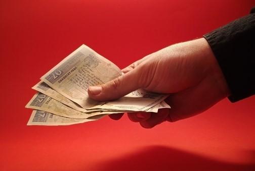 Consejos Para Vivir en Pareja Con un Salario